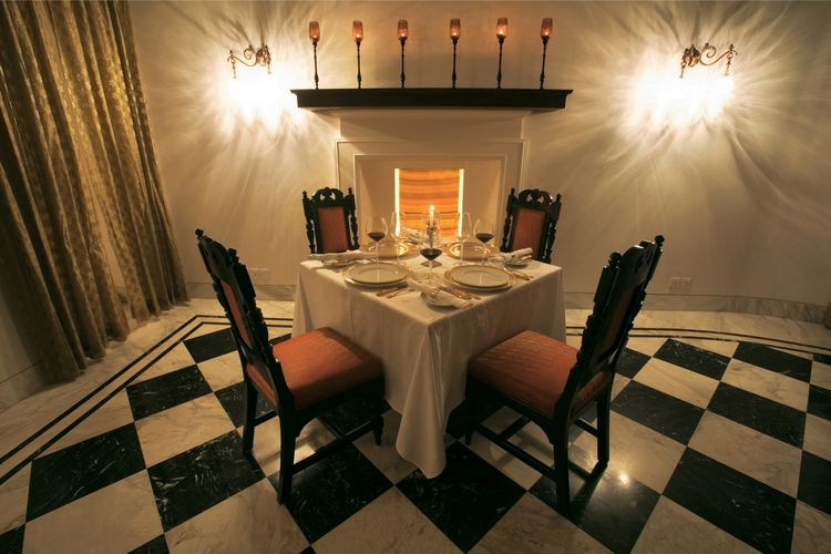 Taj Nadesar Palace - Dining Table - India