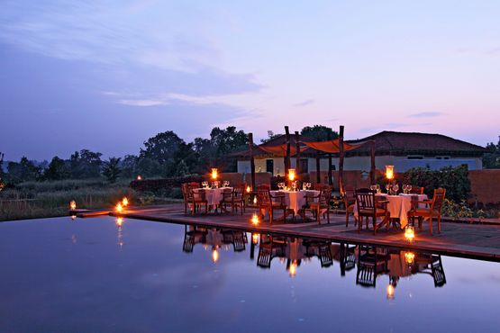 Samode Safari Lodge - Dining light - India