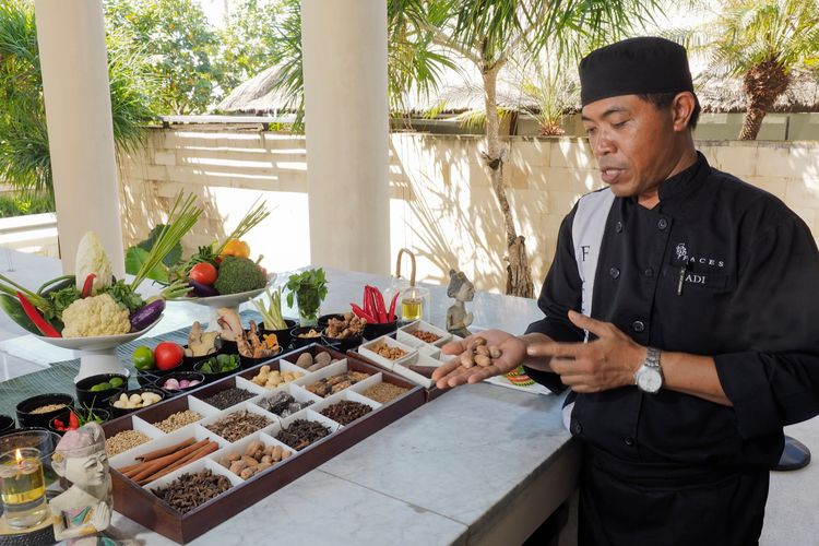 The Bale private chef at balinese cooking - Indonesie