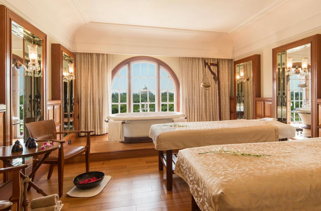 The Oberoi Amarvilas - Spa Suite - India