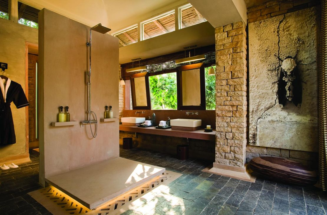 Pashan Garh Wilderness Lodge - Bathroom - India
