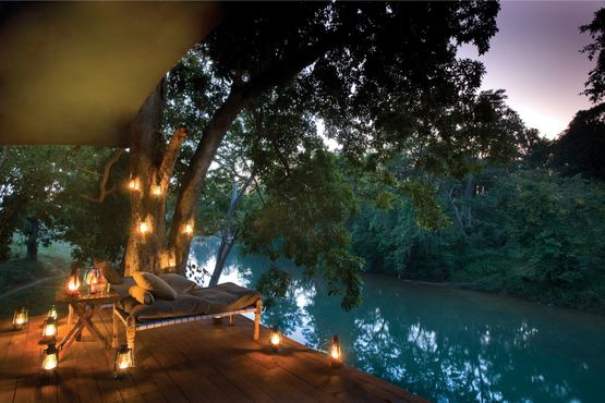 Banjaar Tola Tented Camp - Veranda and River - India