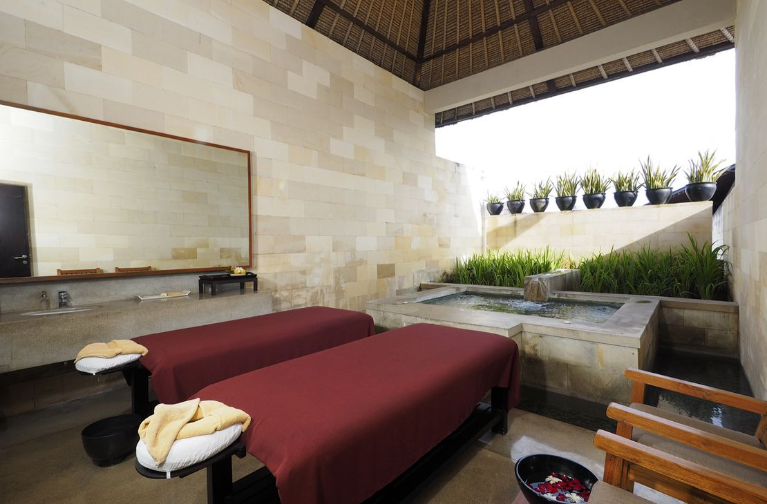 The Bale treatment room with jacuzzi - Indonesie