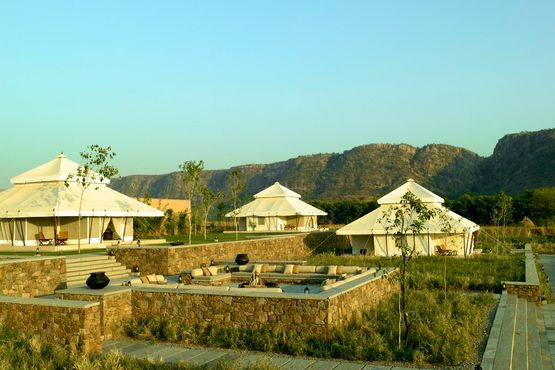 Aman I Khas Resort - Library Tents and Aravalli Hills - India