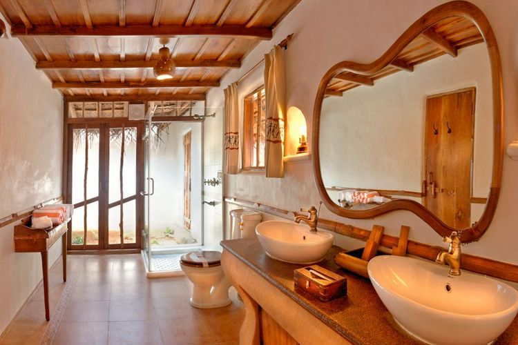 Orange County Kabini - Pool Hut Bath - India