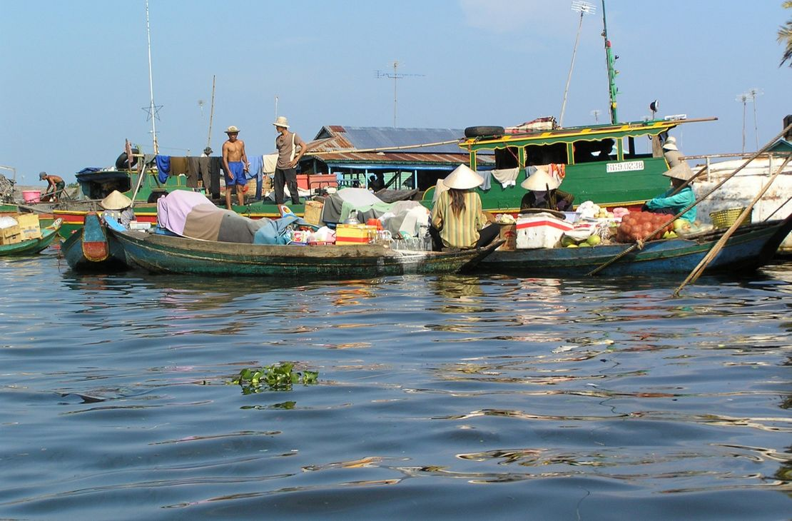 Boats At Tonle Sap Lake - Tonle Sap - Cambodja