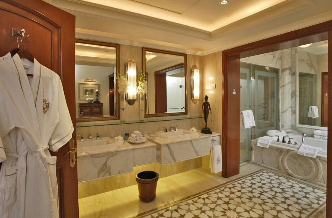The Imperial - Luxury Suite Bathroom - India
