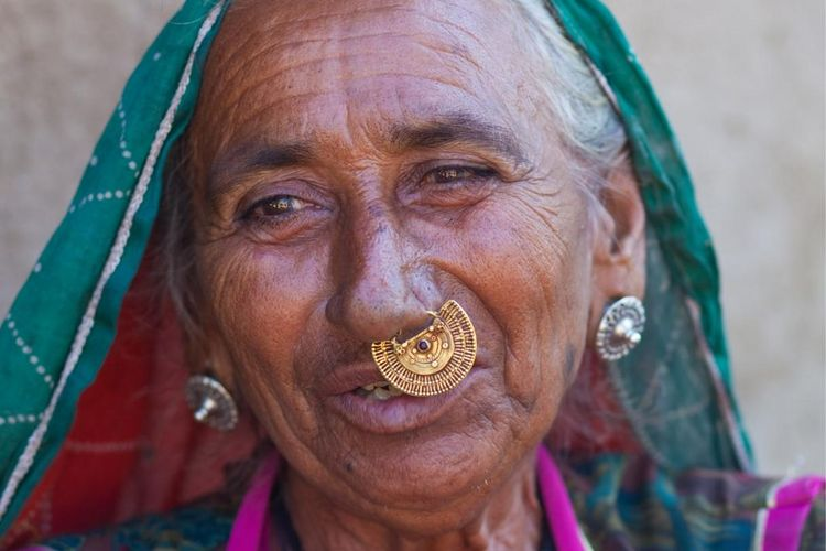 Woman - India - Bram Deurloo