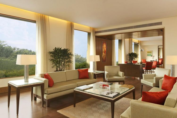 The Oberoi Gurgaon - Luxury Suite Living Room - India