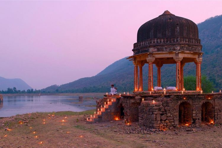 Amanbagh Resort - Dinner at small Chhatri - India