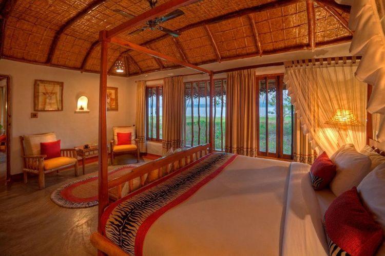 Orange County Kabini - Pool Hut Bedroom - India